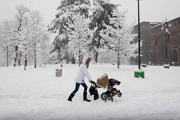 Poussette dans la neige